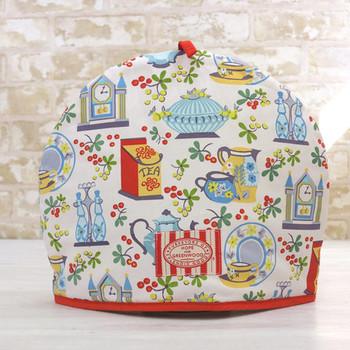 ポットでお茶を楽しむときにぜひ持っておきたいのが、ポットを保温するティーコージー。英国王室御用達の老舗ブランド「アルスターウィーバーズ」の可愛らしいデザインでお茶を淹れるのが楽しみになりそう。