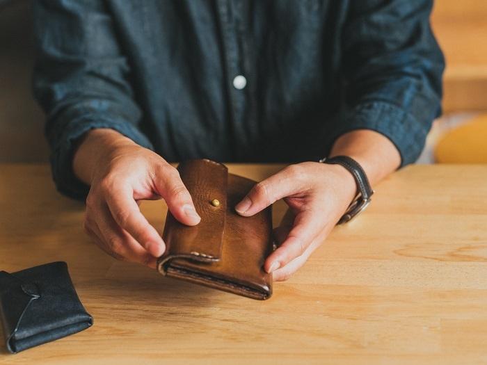 数年使用した財布はよく育ち、使う前のものとは異なる味わいが生まれています