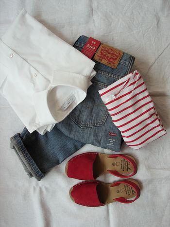 デニムをはじめ、スウェットやTシャツなどカジュアルなアイテムが多く揃うアメリカのヴィンテージ。明るい色が多く使われていますが、味わいが加わっているので派手になりすぎないのもヴィンテージを選びたい理由のひとつです。
