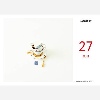 世界中の記念日や誕生日をテーマにした写真が集められているカレンダーです。今日がどんな日か、かわいらしい写真と共に教えてくれます。