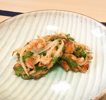 わさび菜は天ぷらにしてもおいしくいただけます。桜海老の漁は3月下旬から6月上旬の春漁と10月下旬から12月下旬の秋漁の計2回。新鮮な桜海老が手に入ったら、ぜひ試してみたいレシピ。