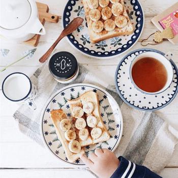 そんな『HAPPY NUTS DAY』のピーナッツバターのこと、そしてピーナッツバターを使って作れる素敵なレシピをご紹介していきましょう♪