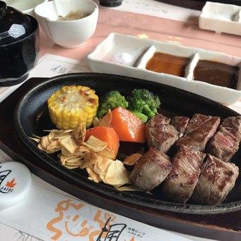 さらに、パーク内のレストラン「但馬ビーフレストラン楓」では但馬牛のステーキやハンバーグをいただくことができます!美味しいものをいただいて、温泉に入って…極上のリフレッシュができそうですね♪