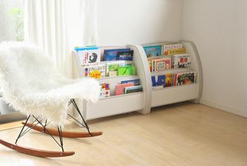 キッズ家具選びでポイントになるのがが安全性です。小さなお子さんが使う場合は、角のない、曲線を描くデザインを選びましょう。
