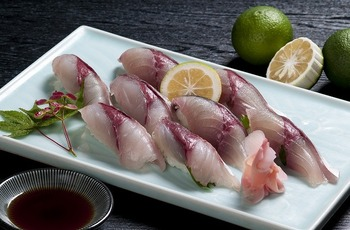 創業40年の人気店。関サバ・関アジをはじめ、だんご汁やとり天など大分の郷土料理がたっぷりと楽しめます。1日3回に分けて新鮮な魚を仕入れるこだわりぶり。全国的にも有名なお店です。