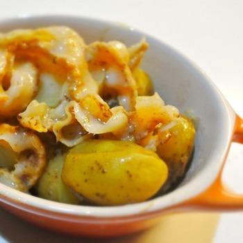ホタテの貝ひもは安く売られていることもある節約お助け食材です。でも、旨みがたっぷりなので奥深い味わいが楽しめます。