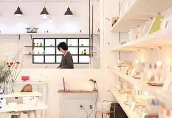 札幌市中央区、電車通沿いに直営店があるほか、札幌駅直結の「JRタワー 札幌スタイルショップ」ほか、お取扱い店で購入できます。