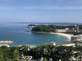温泉だけでなく美しい海の眺めにも心癒される和歌山の温泉。ゆったりとお湯につかりながら、極上のひとときを過ごしてくださいね。