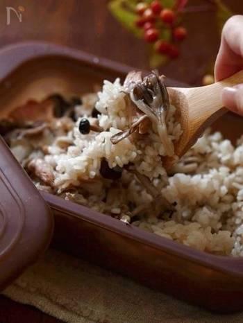 お米一合に対して、もち米を大さじ4杯強(60㏄)加えてモチモチ感を出しています。 炊きあがり後はかき混ぜてから再び蓋をし、5分ほど蒸らします。水分を飛ばすことも忘れずに!