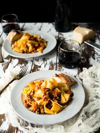 特に、「美味しいものを食べる時」というのは多くの人が楽しい、幸せと感じる時間かもしれません。 ここでは、毎日繰り返す「食べる」ことを例にして、ささいなことの楽しみ方をご紹介します。