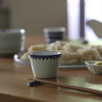 また、いつも使っているお皿、ではなく色や柄にバリエーションの豊富な豆皿や蕎麦猪口を積極的に活用しましょう。普段とは違う雰囲気で食事できるのは、気分が変わっていいですね。