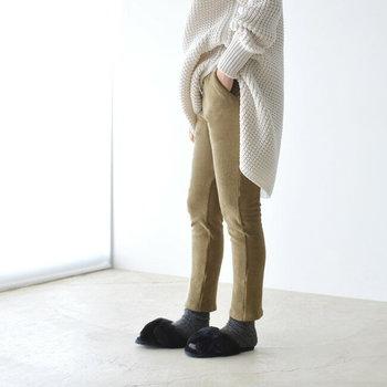 丈についてはお好みでOKですが、くるぶしが見えるくらいの丈だと脚のラインが美しく見えて、どんなシューズとも相性が良いのでおすすめです。