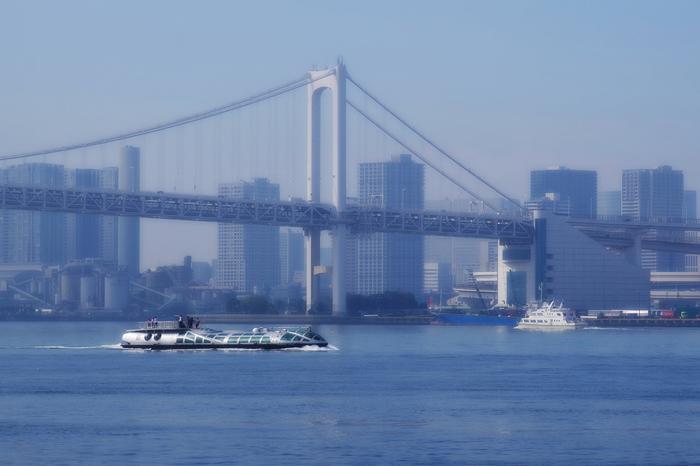 「ホタルナ」や「エメラルダス」は屋上デッキがあるので、風に吹かれながらの東京見物も◎