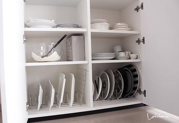 例えば、二人暮らしなのに人数分以上のお皿があったり、シンプルな暮らしが理想なのに色んなテイストの食器で溢れてる…ということはありませんか?「なんとなく」収納している、使っている物は処分して、気に入った物だけで食器棚をより使いやすくしてみましょう。