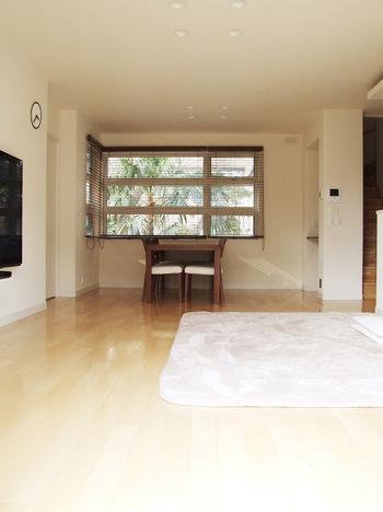 日々お部屋をチェックしていると、「この家具や小物がなくなれば、もっとすっきりするかも…」と感じるものが出てくることがあります。四半期に一度のチェックでは、そんな家具や小物が本当に必要なのかを考え、残すか手放すかを決めてみましょう。