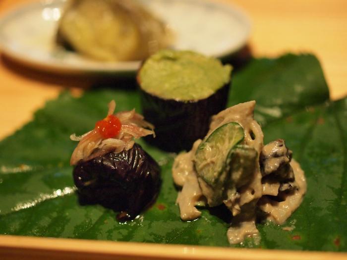 茄子ひとつ味わうとしても、このような趣向を凝らした創作料理で振舞われます。 また、南魚沼の日本一美味しいコシヒカリも堪能できますよ。こうして、地元の魅力を発信する「メディア」としての役割も担っています。