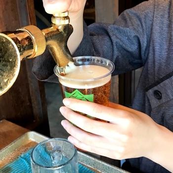 牡蠣フライとぜひ一緒に飲みたい伊勢の地ビール。世界中のビールコンテストで賞を受賞している実力店なんですよ。おかげ横丁の店舗では6種類の伊勢地麦酒の樽生があります。  ビアサーバーから注がれた冷たいビールと熱々の牡蠣フライの相性は抜群♪