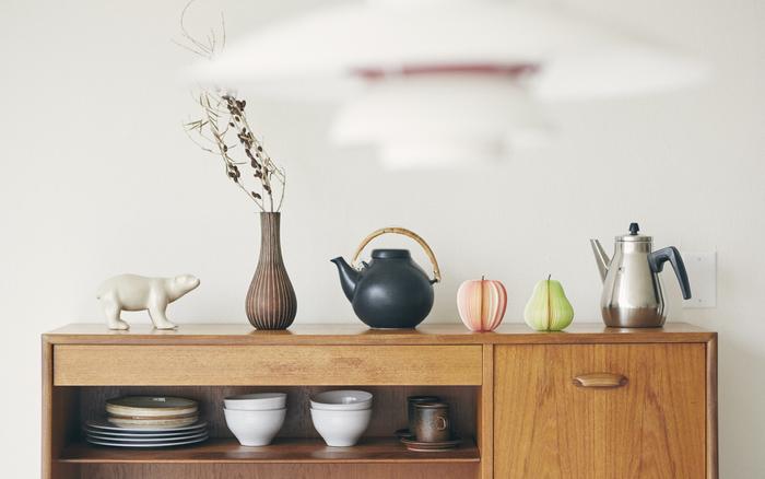 ポットや食器と一緒に並べると、まるで本物の果物のようなリンゴと洋ナシの可愛いメモ。メモとしてだけでなく、飾ってインテリアアイテムとしても楽しめます。