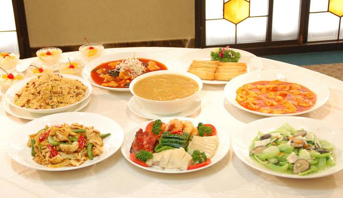 ボリュームも満点なのでおしゃべりしながらのんびり美味しいコース料理が楽しめますよ。デートだけでなくお友達とワイワイ個室で中華料理のコースも大人でおしゃれな過ごし方ですよね。