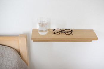 寝具だけでなく、「ウッド」「天然木」の素材を空間にあしらうのも良いですね。  自然のぬくもりに抱かれて過ごすことで、ストレスを感じていた心身が徐々にやすらいでいくはず。