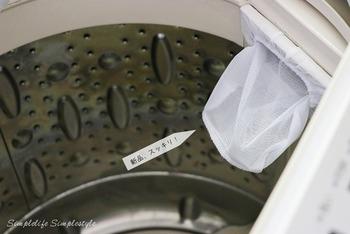 洗濯機のくず取りネットにカビが生えてしまって使いづらい、なんてときには、100均アイテムを使って交換する方法もあります♪お使いの洗濯機に合わせてマッチするものを探してみましょう。
