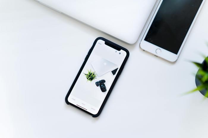 日記アプリはサービスが途中で停止されたり、また機種変更でアプリを全て消さなければならないこともしばしばあるので要注意です。せっかく書き貯めた日記が台無しになるのを防ぐためにも、バックアップ機能の有無を確認してから使うようにしましょう。