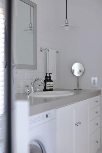 狭くてもスッキリ使いやすい、洗面所・脱衣所収納の実例やアイディアをご紹介しました。どんなご家庭にも応用できる方法ばかりですので、やってみたい!と思えるものがあれば、ぜひお試しくださいね。