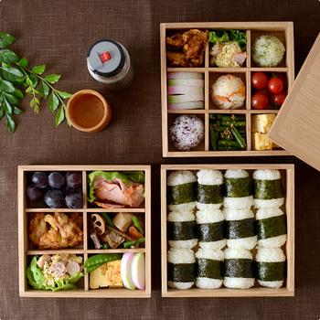 重箱というとお正月のおせち料理や、運動会のお弁当などに使われるイメージがありますね。年末年始に家族や親せき同士で集まる機会に、重箱があるとなにかと便利です。