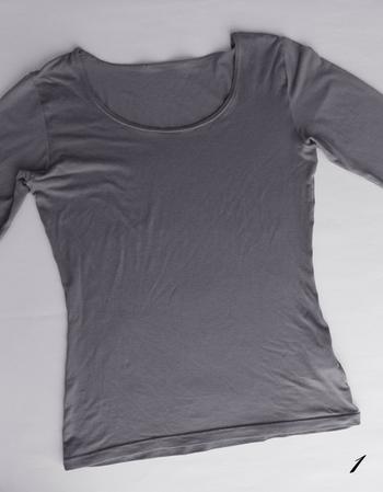張りのあるシャツ類と違い、柔らかいヒートテック。着心地が良いけれど、クローゼットではごちゃつきの原因になりがち。