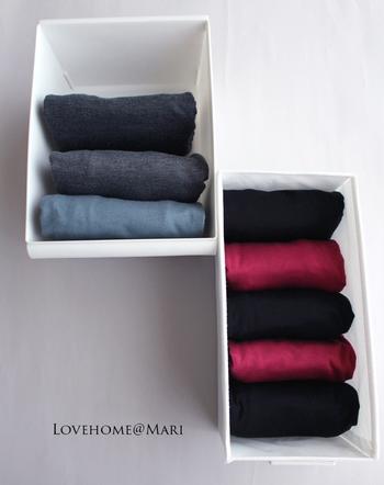 折り畳んだTシャツは揃えて並べて収納しよう。サイズが揃っているから、見た目もスッキリ。高さも自在だから、クローゼットを余すことなく活用できる。