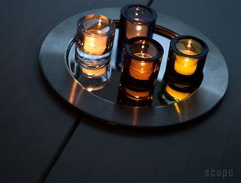 深みのあるガラスが美しいキャンドルホルダー。キャンドルを灯さずにそのままお部屋に置いておくだけでもなんとも綺麗。単体でシンプルに、複数で並べて色の違いをみるのもおすすめです。