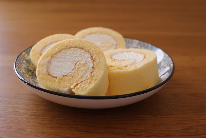 お好みのフルーツ&クリームで。アレンジ広がる「ロールケーキ」の色々レシピ♪