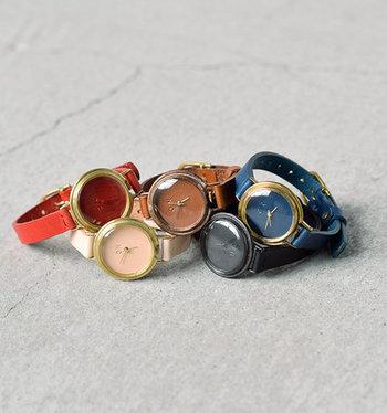 2001年、デザイナー・フジイサユリさんによってスタートしたアトリエ「nejicommu」。腕時計はすべてハンドメイドで、ひとつひとつ丁寧に製作されています。