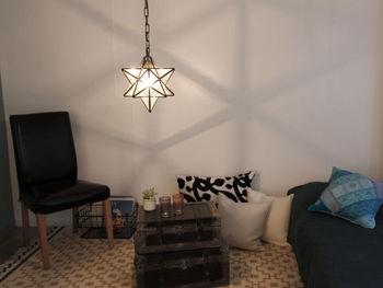 真鍮製のエキゾチックな星型デザインは、電球の優しい光と相まって特別な空気感であたりを満たしてくれます♪