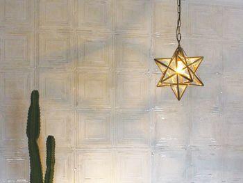 冬空に輝く星のような、フレンチモロッコテイストの美しいペンダントライト。