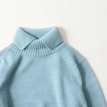 凛と、爽やかに。ブルーを楽しむ冬の大人コーディネート