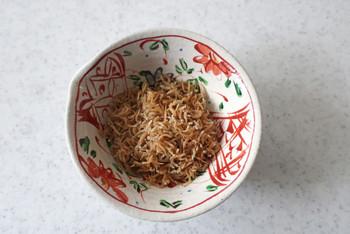 人気のちりめん山椒。サラダや豆腐と合わせても美味しそうです。お酒の肴にもなりますね。