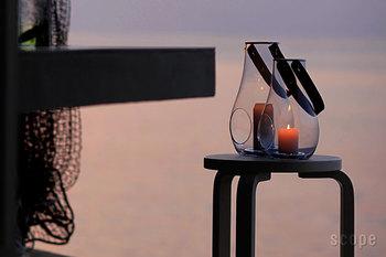 日暮れが早いと楽しみが少ない?いいえ、暗さを楽しみに変えてくれる、温もりあるキャンドルがありますよ。インテリアに華を添えたり、いつもの食卓をちょっと違って見せてくれるキャンドルで、これからの季節の楽しみを見つけてみましょう。