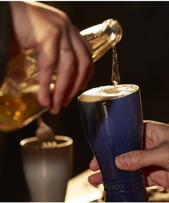 ル・クルーゼのビールタンブラーです。保冷性に優れており、冷蔵庫で冷やしてから使用すると、冷たいドリンクの温度を長くキープすることができるので長く美味しくビールが飲めます♪ゆっくり飲みたい方におすすめ。