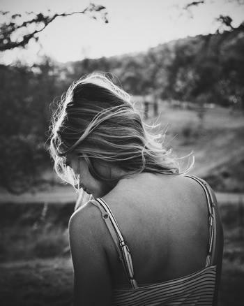 でも、変化には大きな苦労を伴うことがなんとなく頭でわかってしまうため、自分のおしりを強く叩くことができません。そして、今のまま変わらなければコンスタントな毎日が約束されていることに対して「小さな安心」を覚えてしまいます。