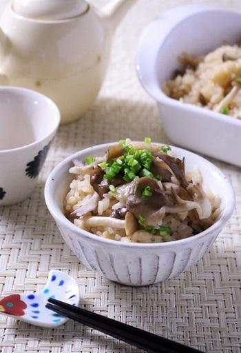 鶏ももとオイスターソースの風味がアクセント。※お米は一合半。