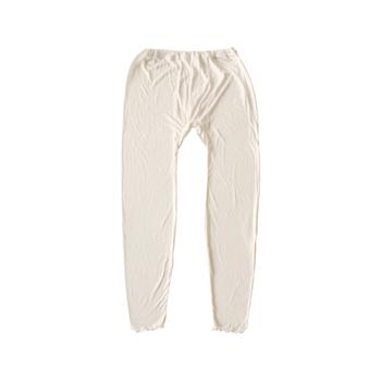 上質なシルク糸で編まれたシルクのレギンス。寒い季節のレイヤードスタイルを快適にしてくれます。