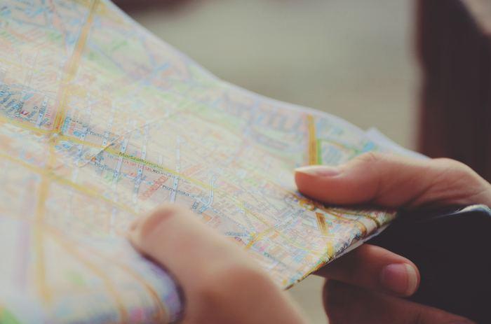 旅行には地図があった方が良いので、あらかじめ入手しておきましょう。空港やメトロ駅構内にあるツーリストサービスセンターでもらえますよ。