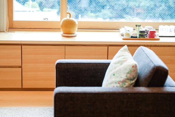 石本さんの冬瓜オブジェも、北欧スタイルの空間に美しくなじみますね。  「茶玻瑠」館内のパブリックスペースにも、いたるところで石本さんの作品を楽しめるようになっています。泊まらずとも、覗きに行ってみたくなりますね。