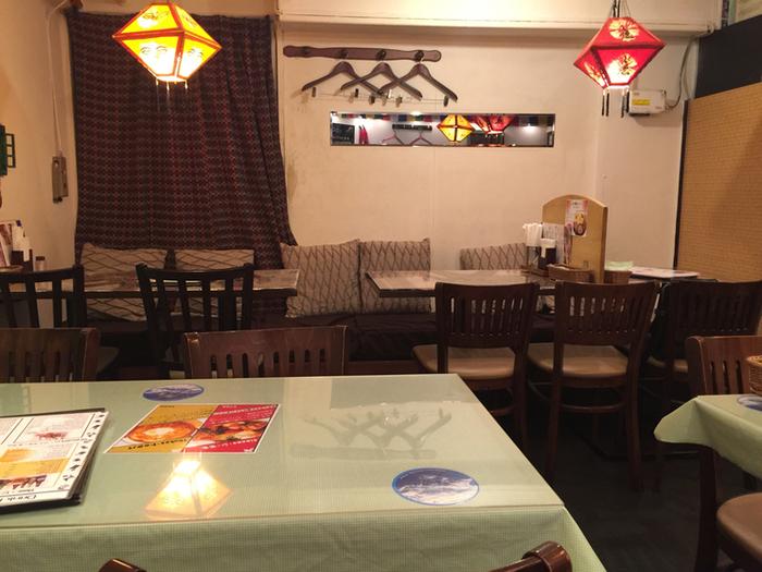 人形町駅を出てすぐのところにある「HIMALAYAN VILLAGE(ヒマラヤンビレッジ)」は、ネパールカレーがいただけるレストランです。