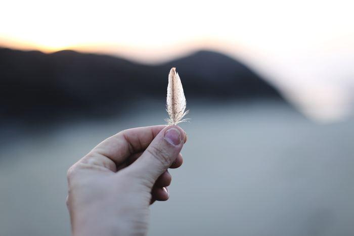 心の中でモヤモヤとした思いを抱え込んでいませんか。言葉にならない漠然とした状態では、何が問題なのか、自分がそれに対してどう思っているのかが分かりません。まずは心の声を「ネガティブリスト」として書き出して、整理しましょう。感情を「見える化」することで、解決策やとるべき行動、方向性が見えてきます。