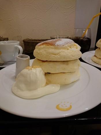 こちらは1番人気の「太陽(たいよう)」です。パンケーキを一枚一枚丁寧にじっくり銅板で焼き上げているので、時間がかかることも。ゆったりとした気持ちで焼き上がりを待ちましょう。