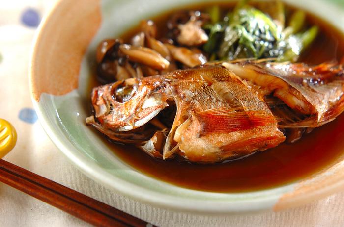 定番の煮付けですが、シメジと小松菜を加えて栄養バランスも考えられています。 少し冷ましてから盛り付けるのが、ポイントだそうです。