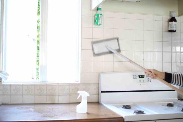 お掃除が面倒で、やりたくない…という時は誰にでもありますね。特に寒い日は、暖かい部屋でぬくぬくゴロゴロと過ごしたい…!かといって、汚れているのは嫌だし、キレイで暖かい部屋で暮らしたいですよね。毎日のお掃除や片付けを楽しくするための方法を見つけてみませんか?
