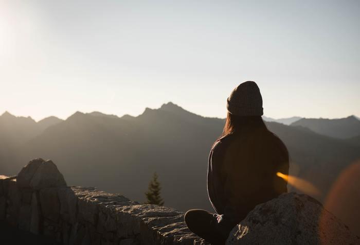 冬におすすめなのが『朝座禅』です。冷たい空気を肌で感じながら行なう座禅は、寒い季節だからこそ味わえる充実した時間になります。自分自身と向き合うのにぴったりなんです。